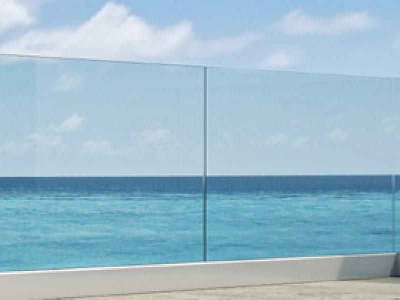banner-solido-glass-railing2