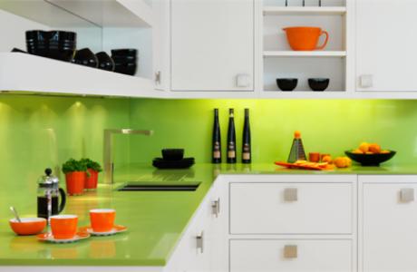 Blaturi de sticlă și placări cu sticlă colorată